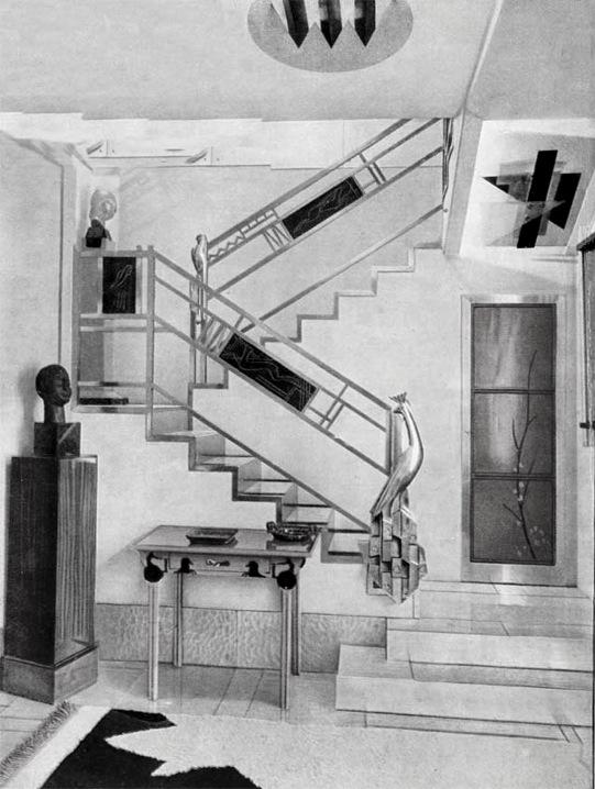 Jacques_Doucet's_hôtel_particulier_stairs,_33_rue_Saint-James,_Neuilly-sur-Seine,_1929_photograph_by_Pierre_Legrain.jpg