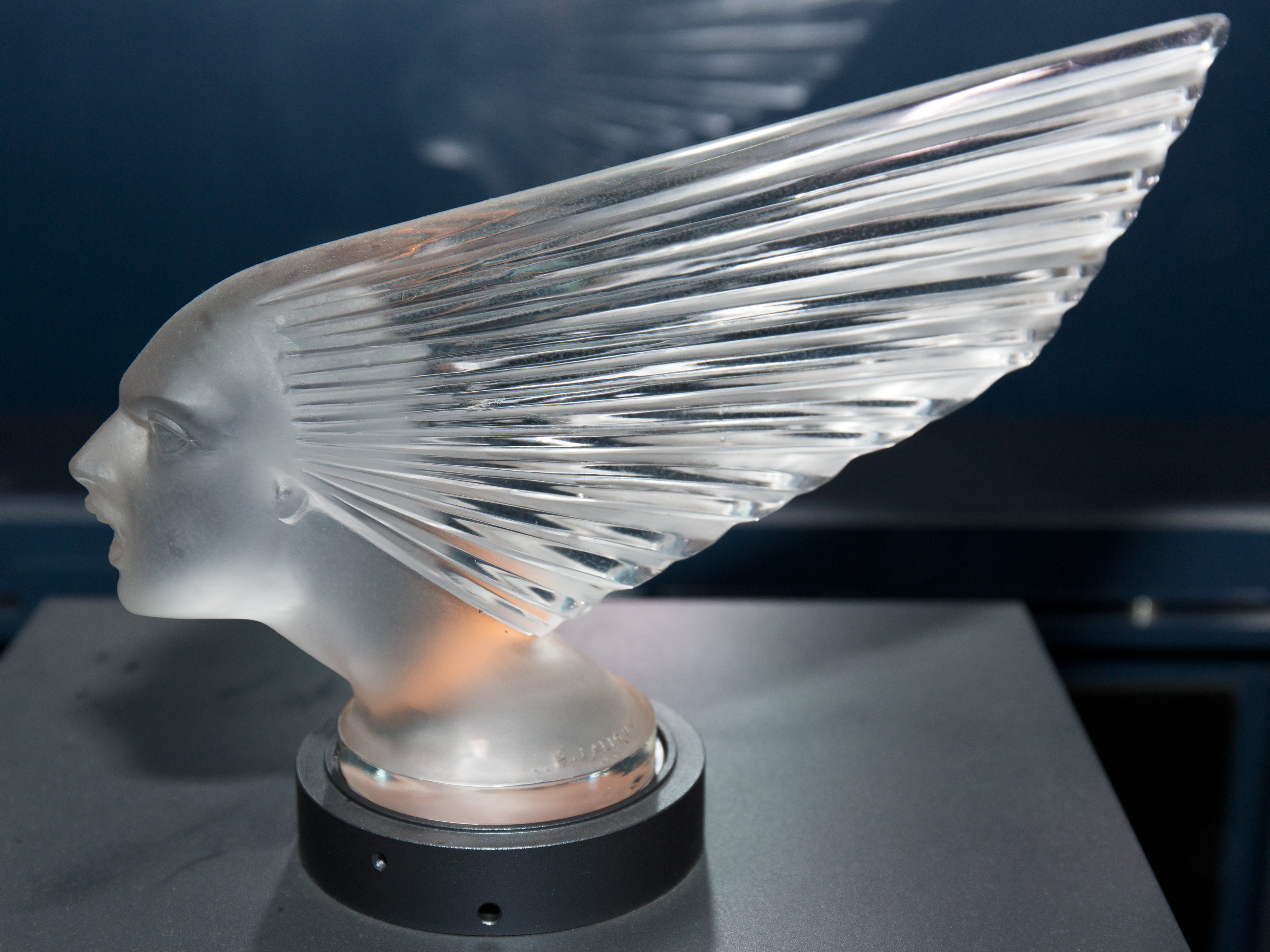 Victoire_2_by_Rene_Lalique_Toyota_Automobile_Museum.jpg