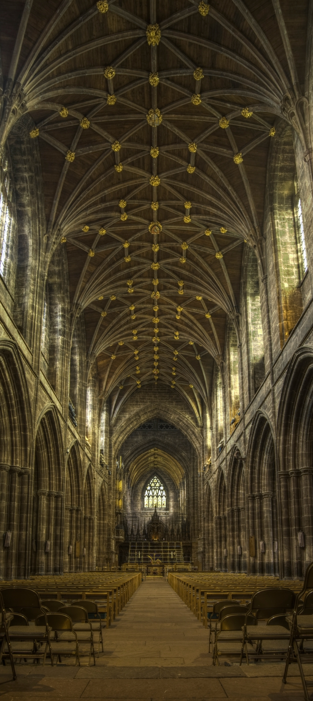 Chester_cathedral_nave.jpg