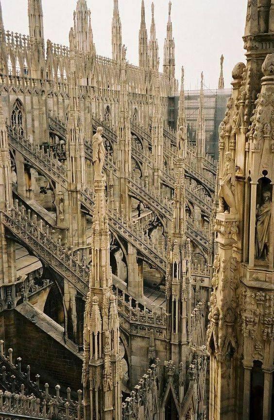 Гимн готике. Миланский кафедральный собор.jpg
