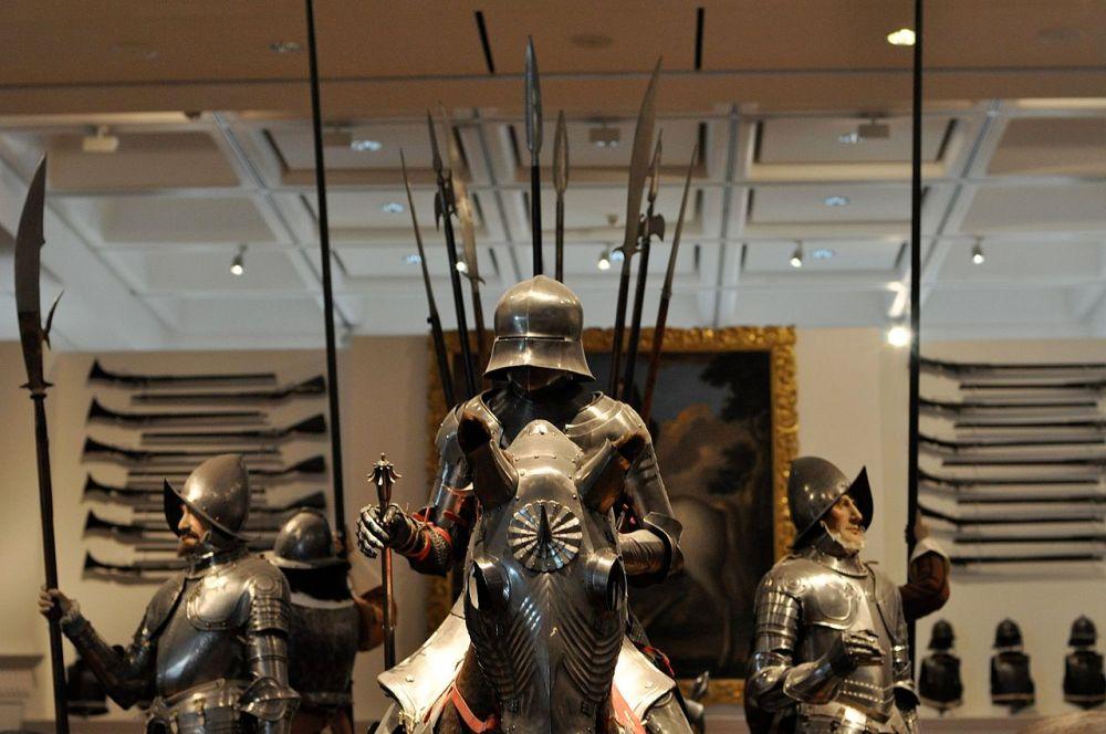 Leeds-RA-Gothic-Armor-002.jpg